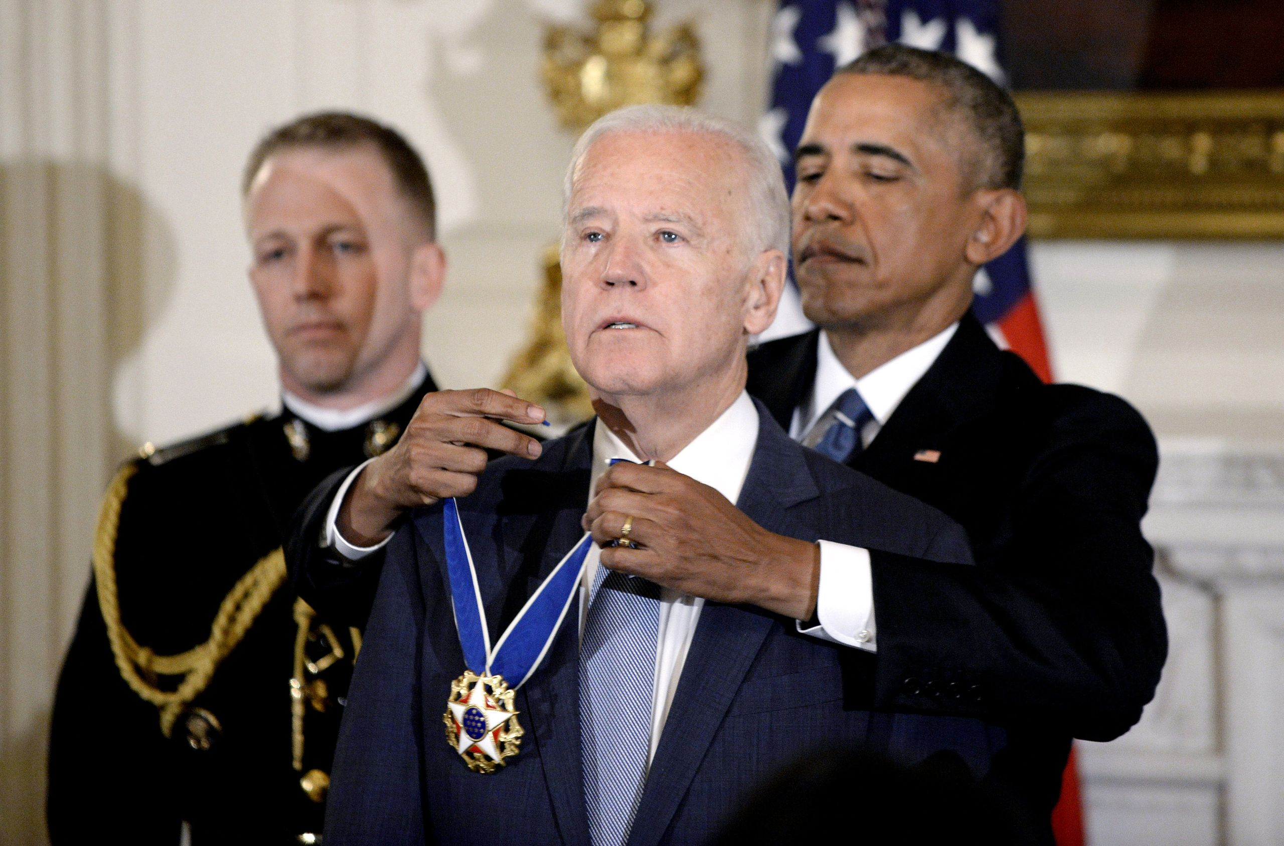 Obama gives Joe Biden Medal of Honour