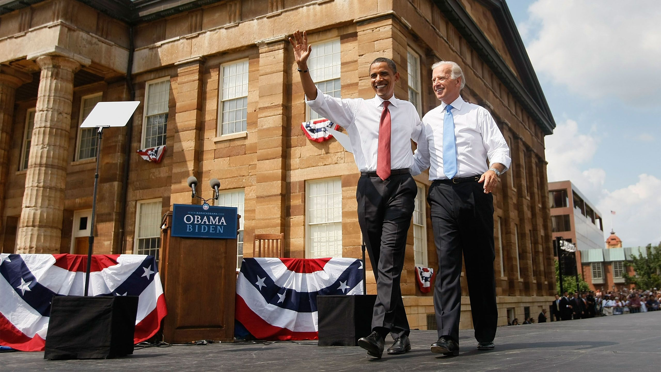 Joe Biden ao lado de Barack Obama