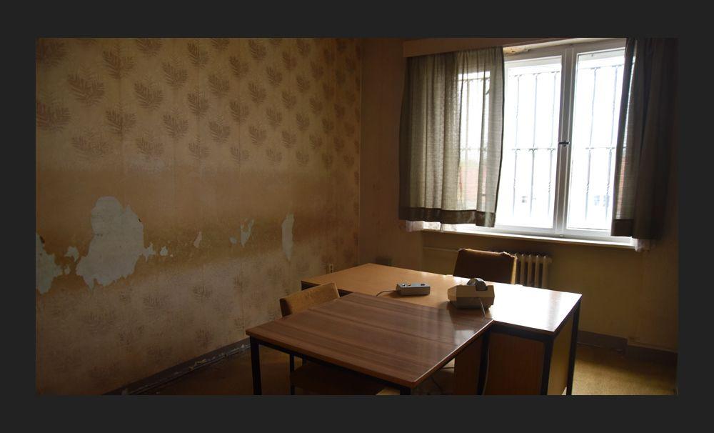 Комната для допросов в тюрьме Хоэншёнхаузен