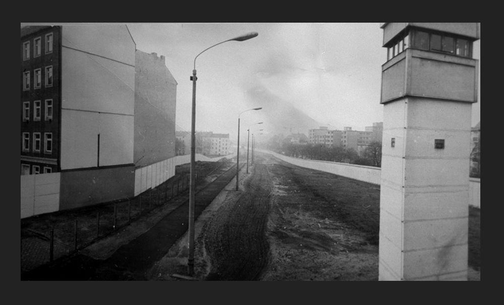 Берлинская стена, вид с Бернауэр-штрассе