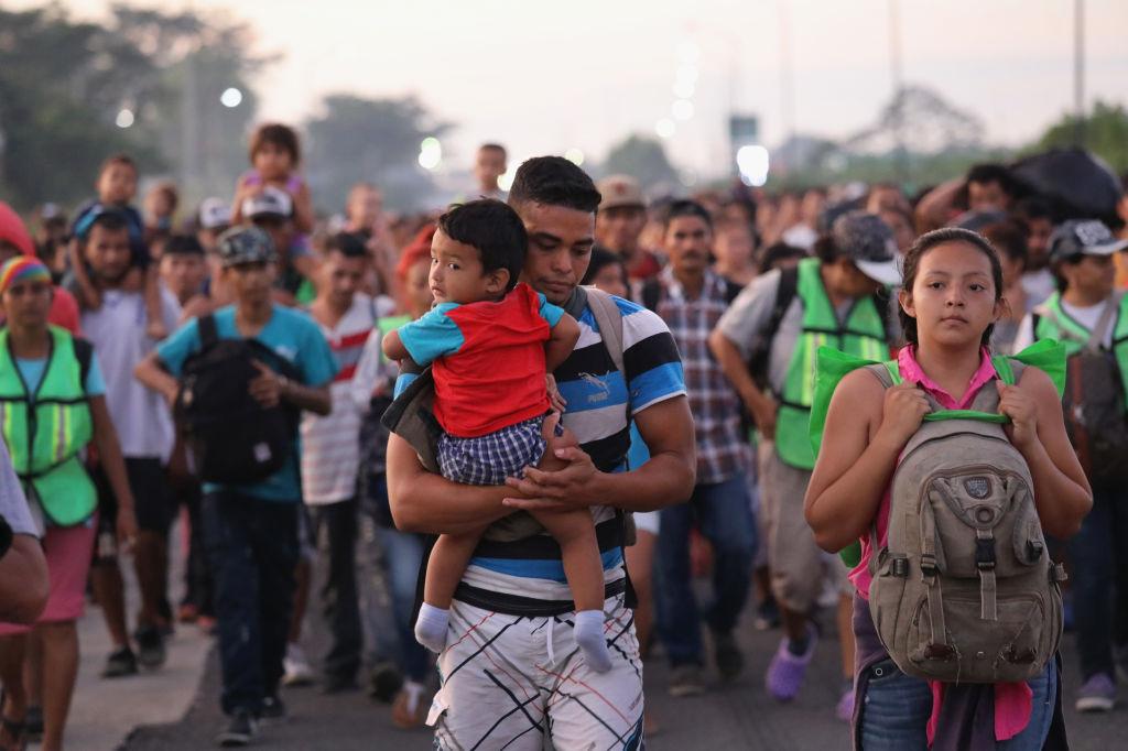 ABD'ye ilerleyen göçmen kafilesi