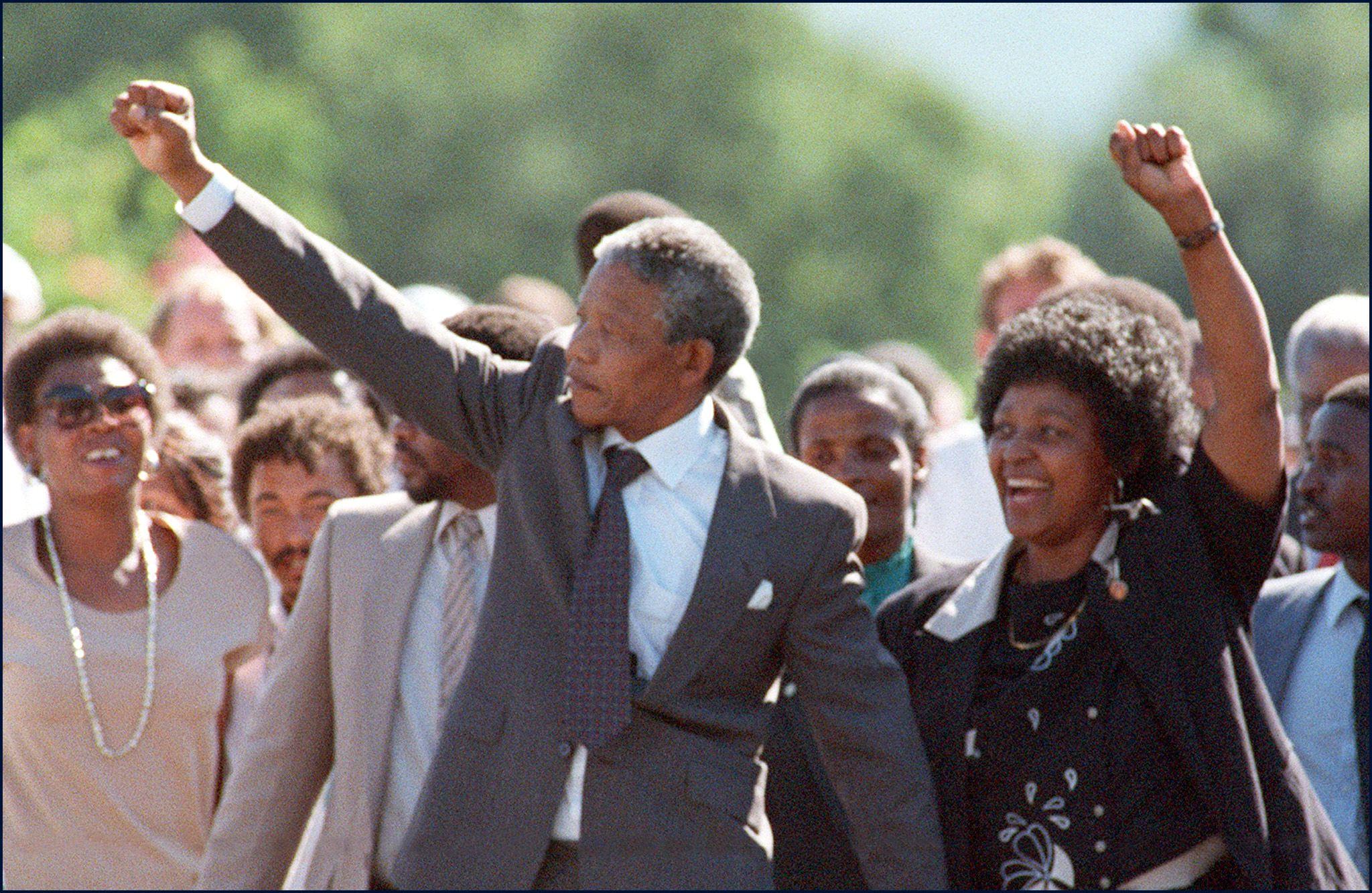 Nelson Mandela, à sa  libération de prison, le 11 février 1990