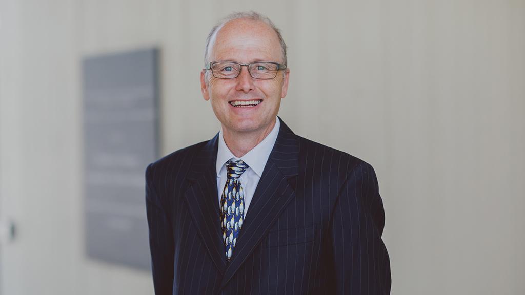 Prof Graham Underwood