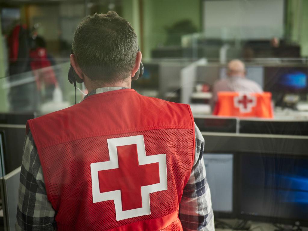 Assistente da Cruz Vermelha.