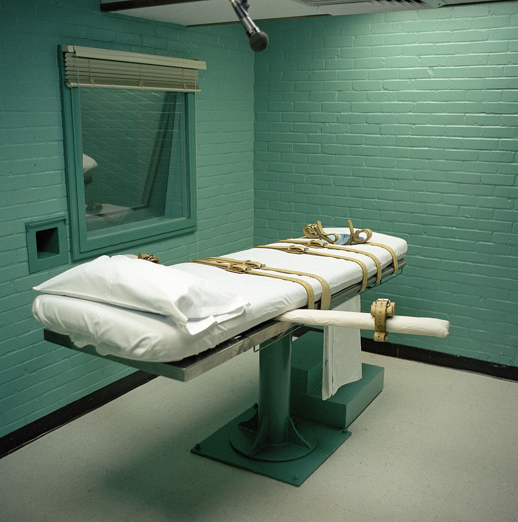 Judge Halts Federal Executions in Cases of Indiana Men