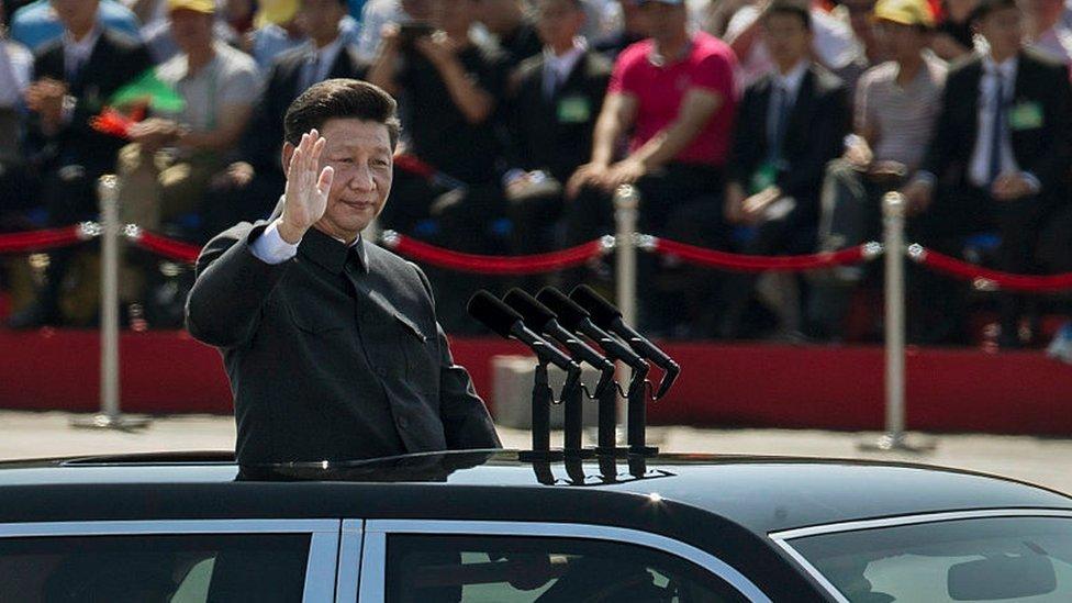 Xi en el desfile militar celebrado en Pekín