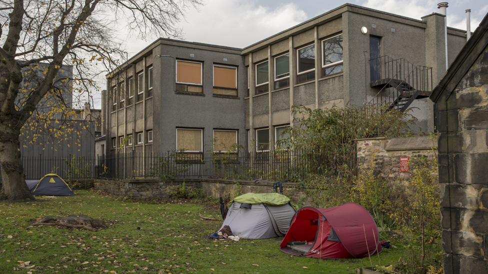 Why poverty is lower in Scotland - in seven charts - BBC News