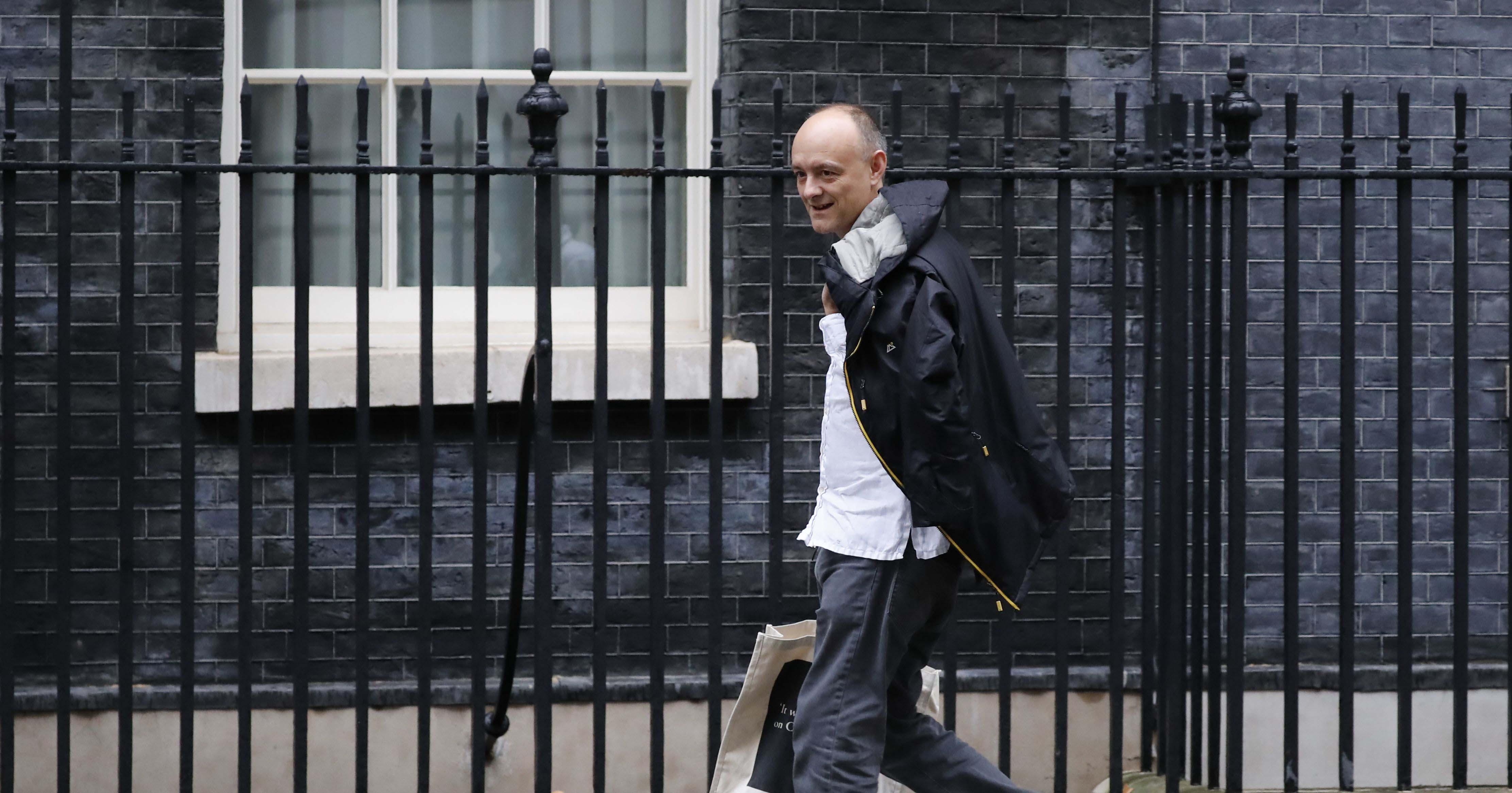 Dominic Cummings walking into No 10 Downing Street