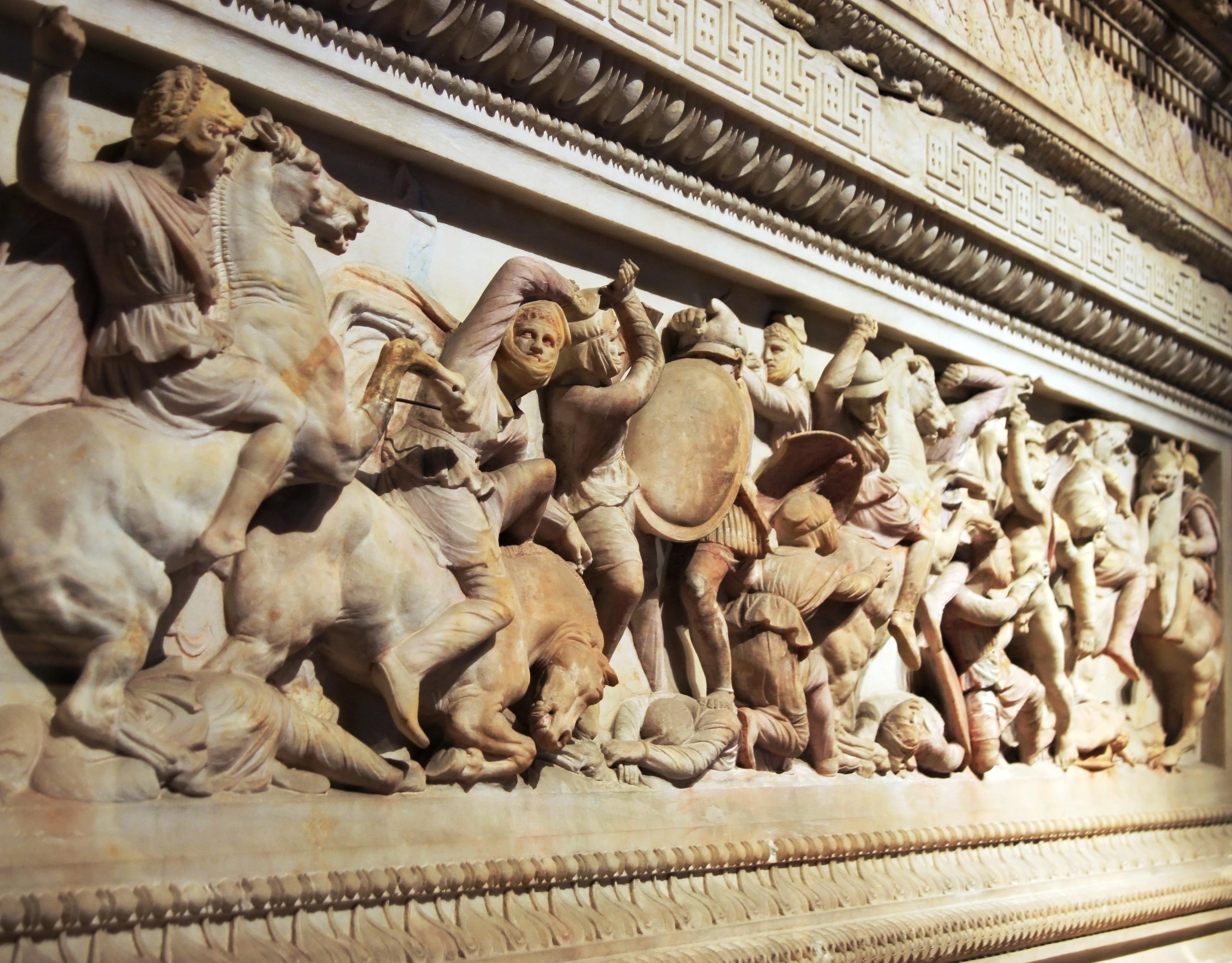 Escultura con guerreros