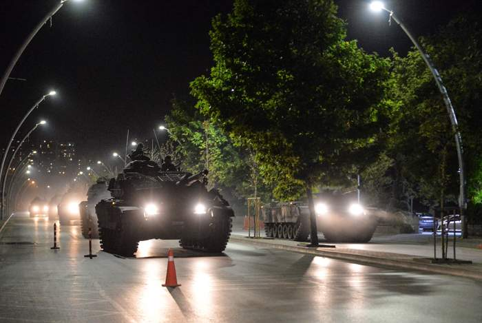 Tanks move through the streets of Ankara