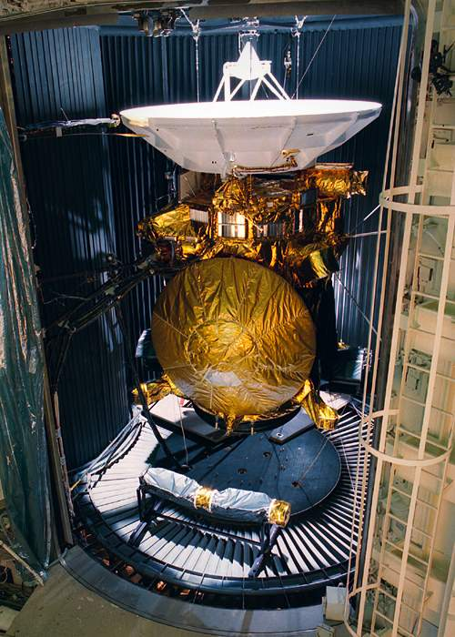 Cassini-Huygens in a Nasa test chamber before launch, 1997(Nasa)