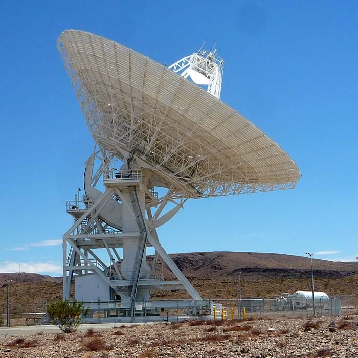 An antenna at Goldstone, California(Nasa)
