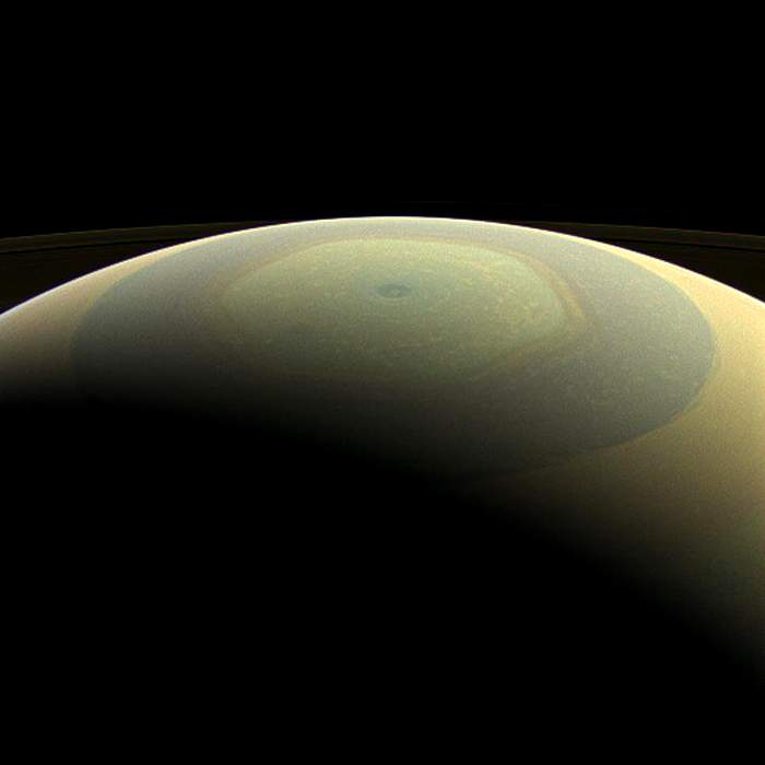 Wider view of Saturn's north pole showing the hexagon-shaped jet stream(Nasa)