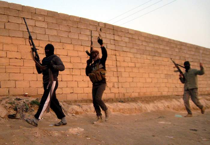 مسلحون معارضون للحكومة العراقية في الفلوجة في عام 2014