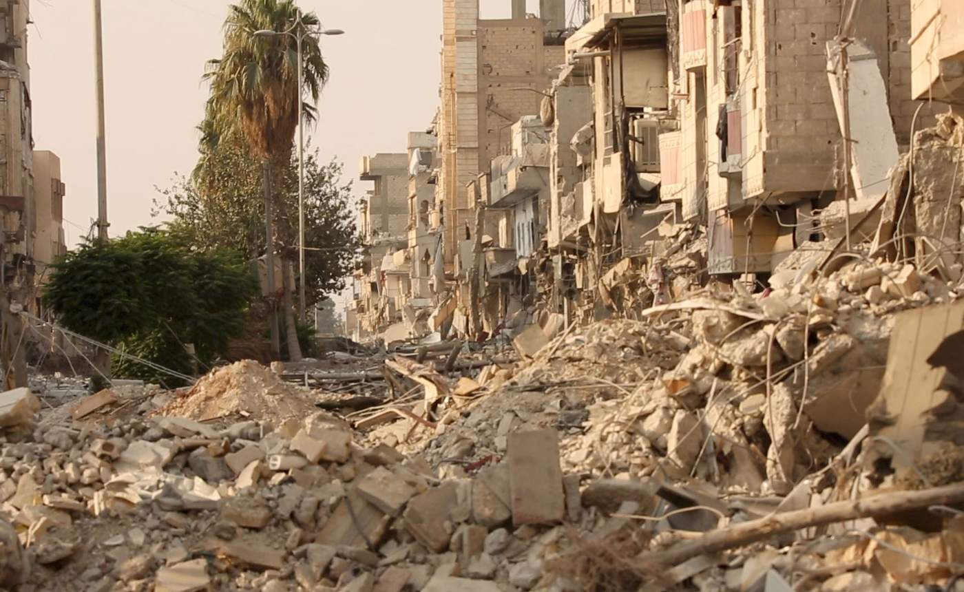 خیابانی ویران شده در شهر قدیم رقه