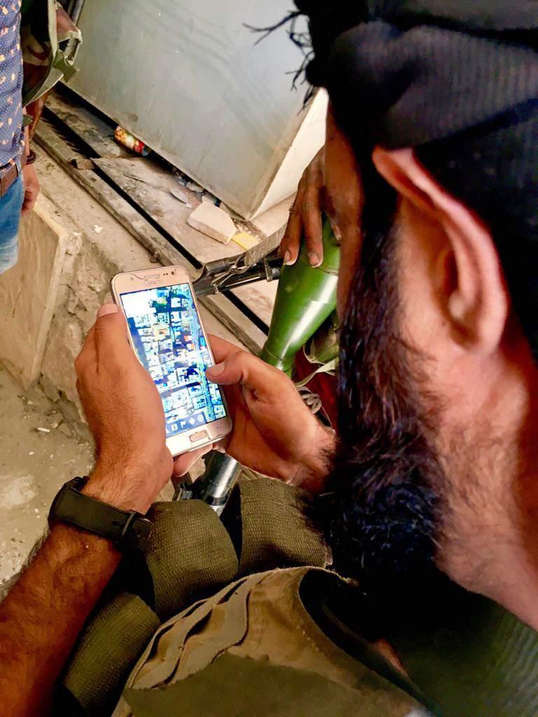 ابو عبدو درخواست حمله هوایی میکند