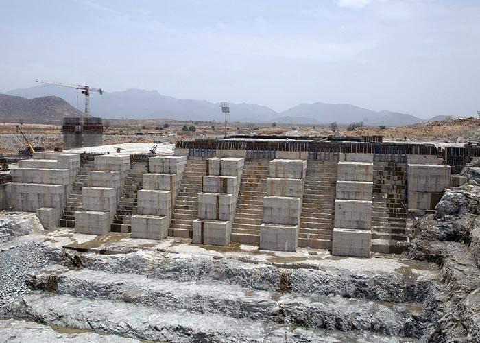 سد النهضة تحت الإنشاء في عام 2015(Getty Images)
