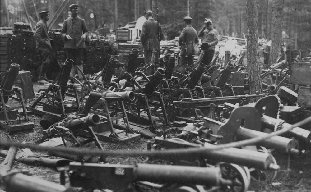 Almanlar tarafından ele geçirilen Rus ordusuna ait silahlar
