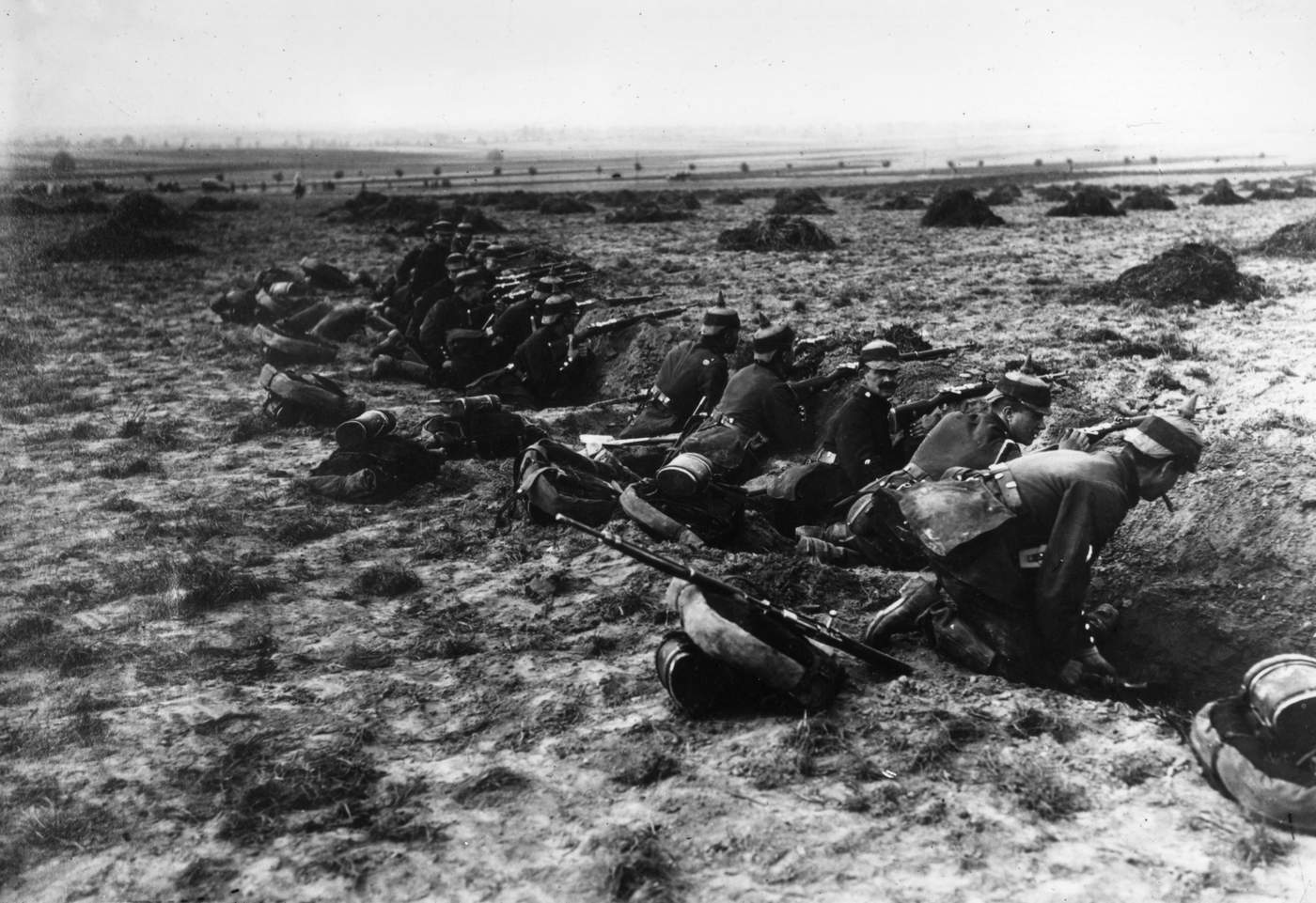 Doğu Cephesi'nde Ruslara karşı savaşan Alman askerleri