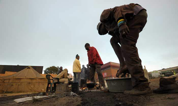 Homeless people in a Johannesburg township