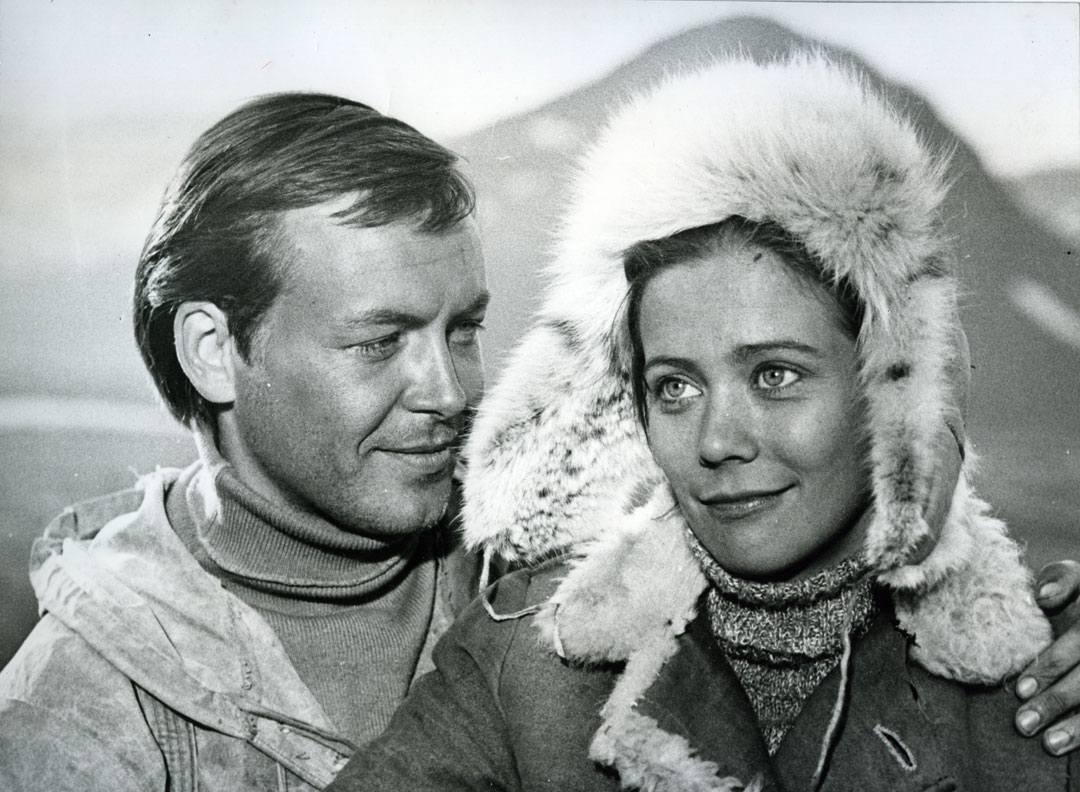 Photograph from the set of Avalanche,1975