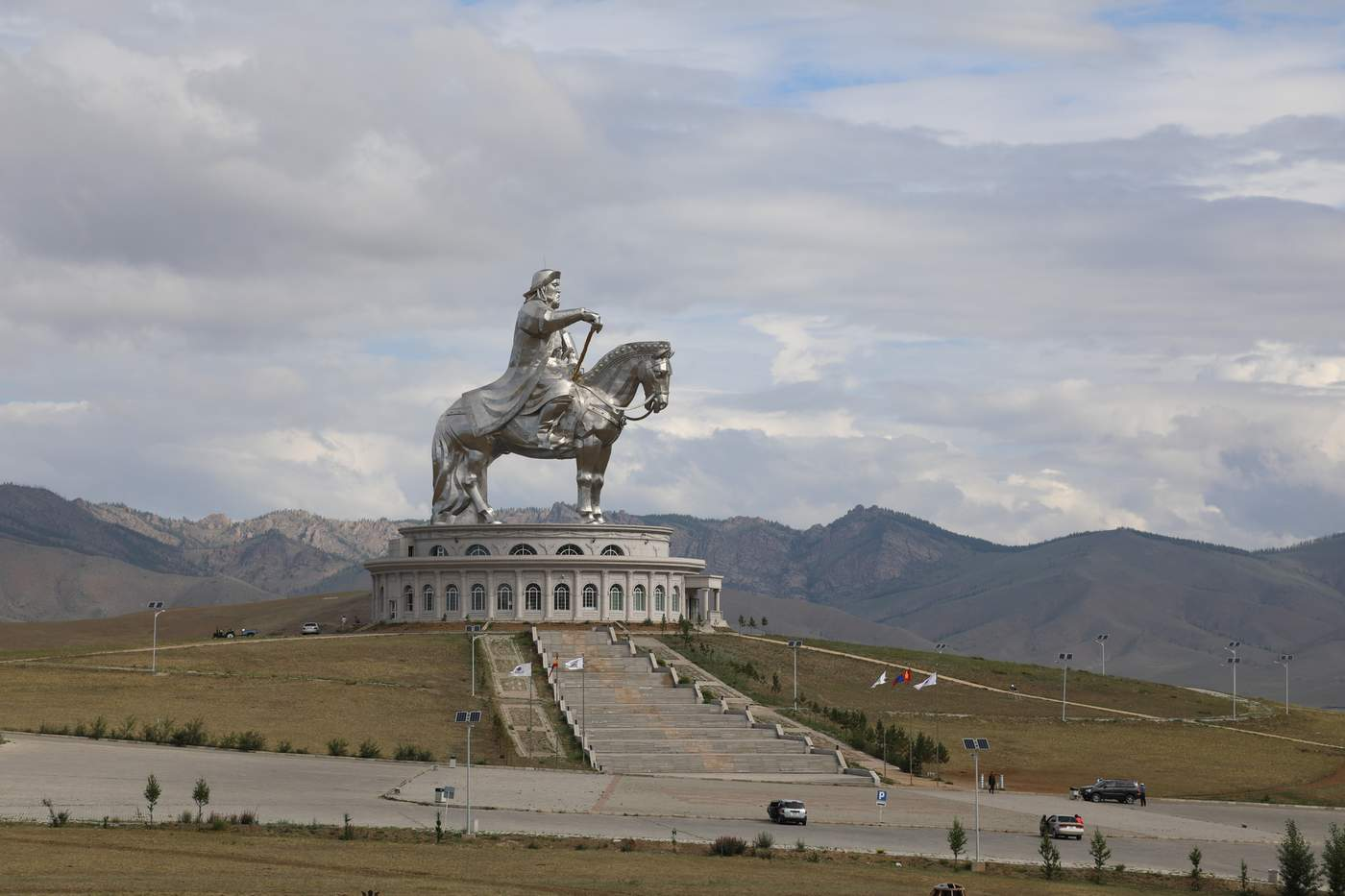 Modern women in the land of Genghis Khan - BBC News