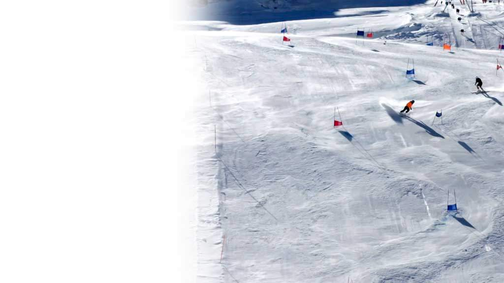 Skiing blind: \'I crashed at 70mph\' - BBC News
