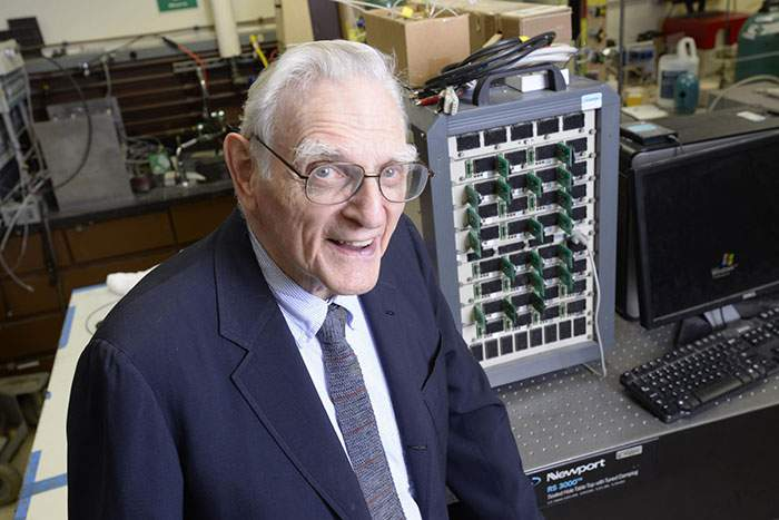 John Goodenough, the man behind the lithium-ion battery, in his lab in 2015
