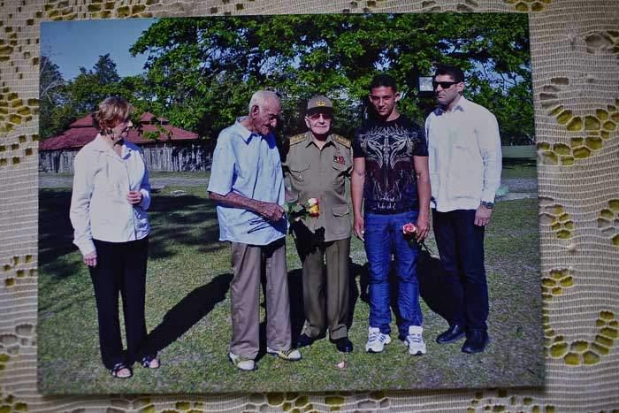 A Castro family photo featuring Mártin and Raúl