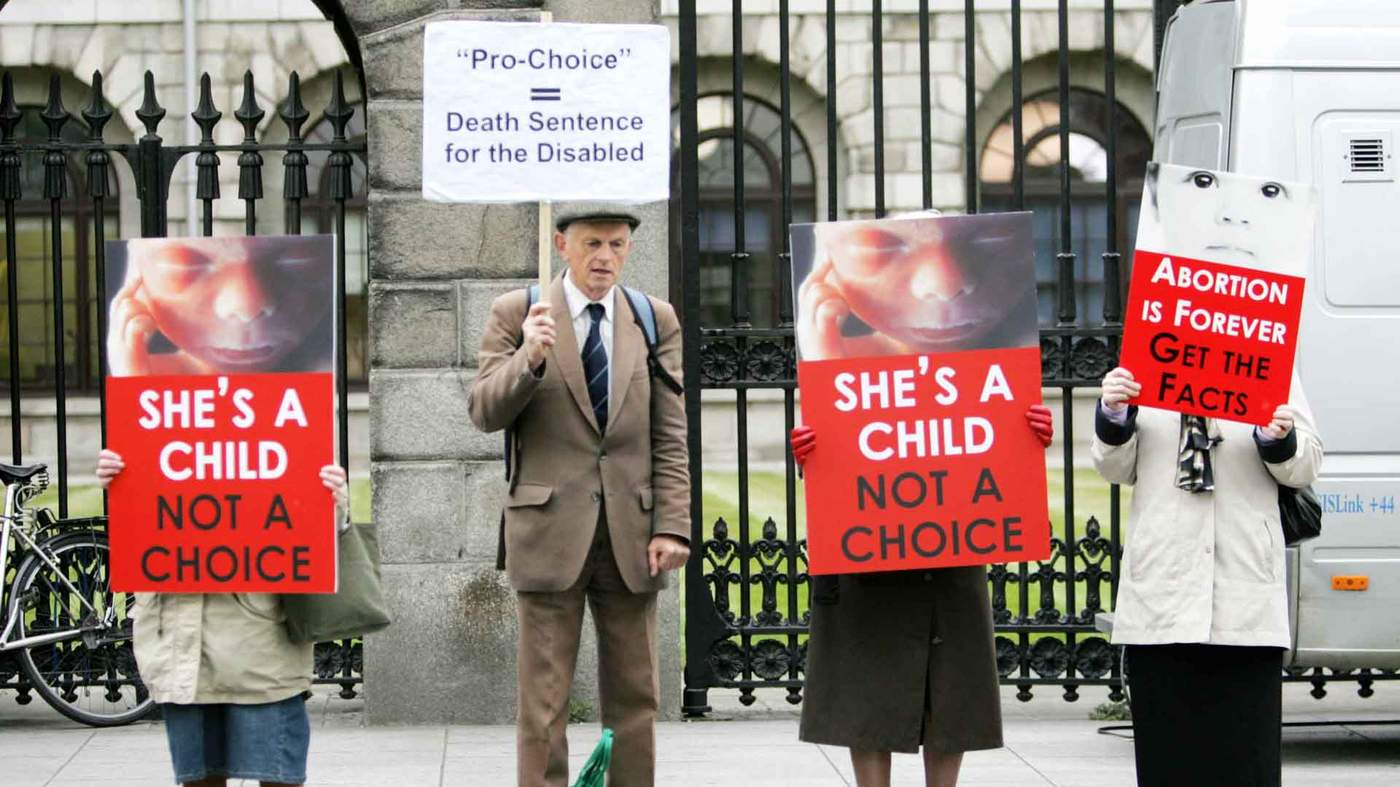 2007 Anti Abortion Campaigners Protest During The Miss D Case