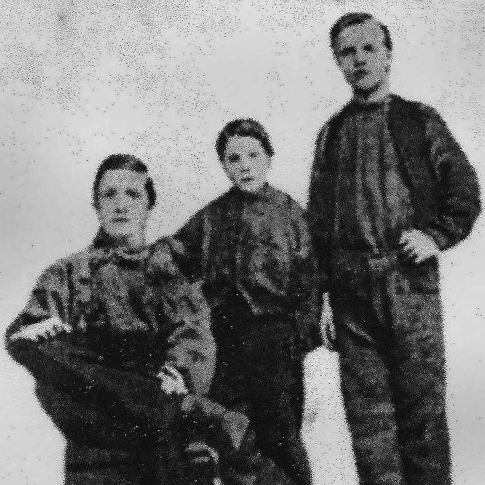 The only known picture of John Paul shows him standing between David Brand and James Bryson, three days after their return