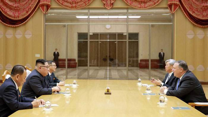 وزير الخارجية الأمريكي يجتمع بكيم جونغ أون في بيونغيانغ