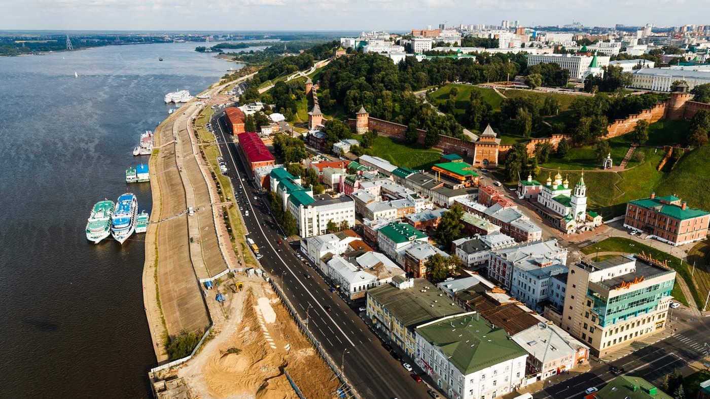 Nizhny Novgorod. The metro stepped over the river