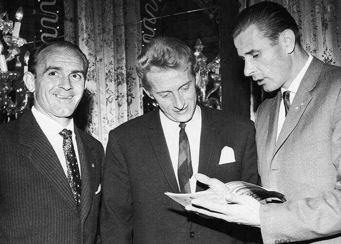 Left to right: Alfredo di Stefano of Argentina, Scotland's Denis Law and Yashin at a dinner at the Cafe Royal in London on 23 October 1963