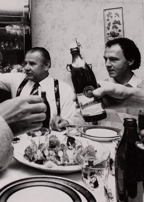 Yashin dines with Germany's Franz Beckenbauer in his and Valentina's flat