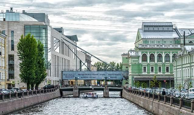 ساختمانهای جدید و قدیمی سالن تأتر مارینسکی