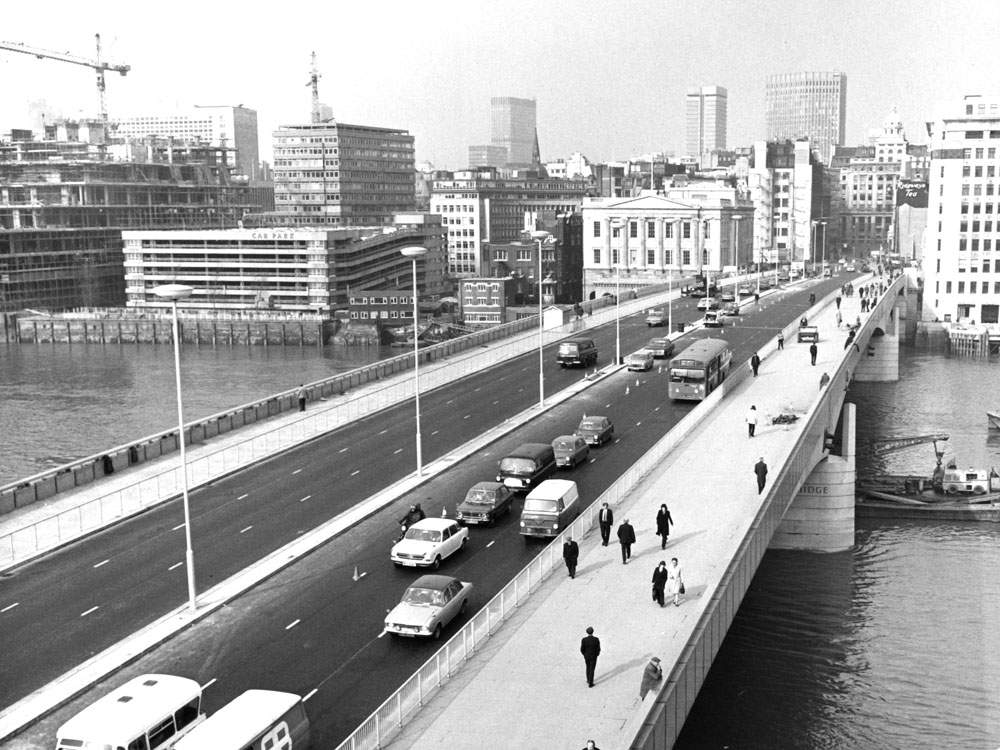 The new bridge was opened in 1973 by the Queen