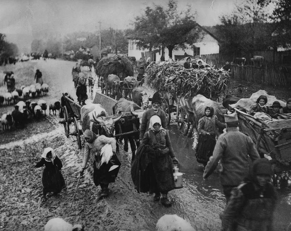 1915: Refugees during the Serbian retreat