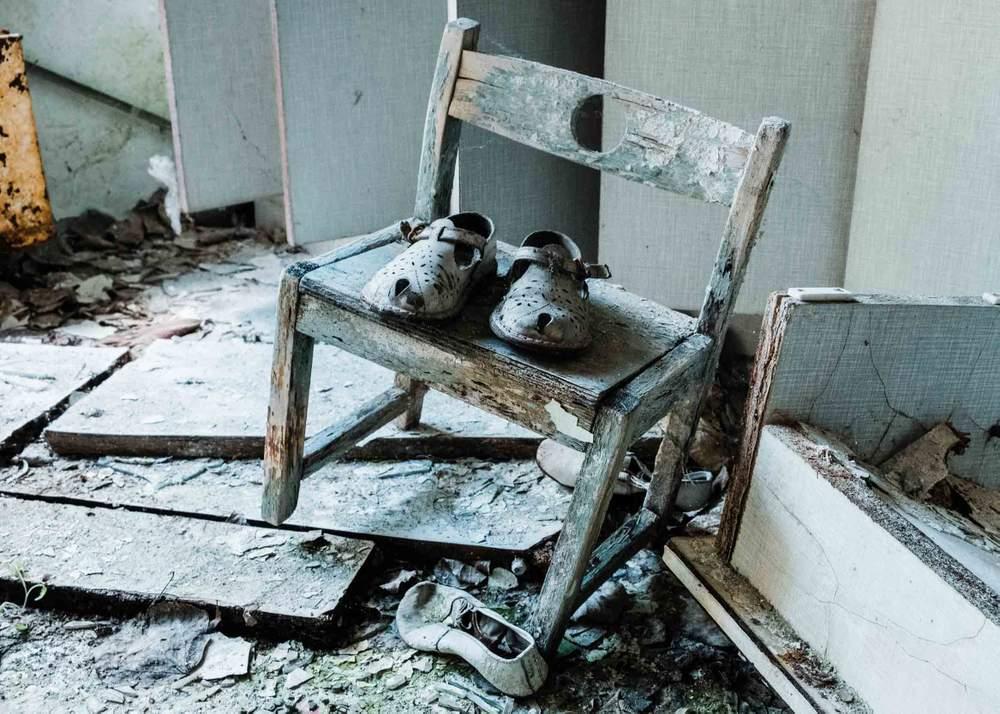 Дитячі черевики, що лишились у дитсадку в Прип'яті