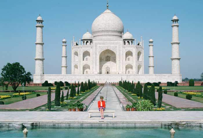 1992: The Taj's most noted modern visitor, Princess Diana