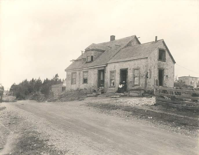The Stag Inn was originally built between about 1835 and 1840 owned by a family that came from Maryland as refugees of the War of 1812 (Nova Scotia Archives)