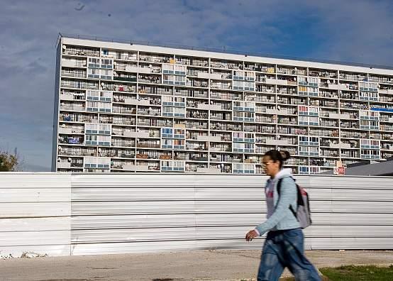 Tower block in la Cite des 4000 in La Courneuve in the Paris suburbs