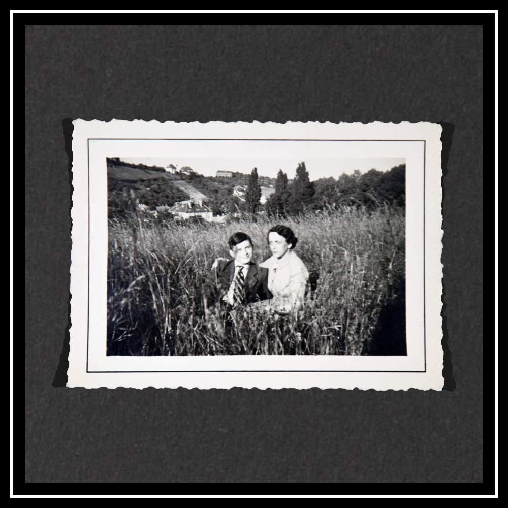 Курт и его тетя Отти в Вене в апреле 1939 года