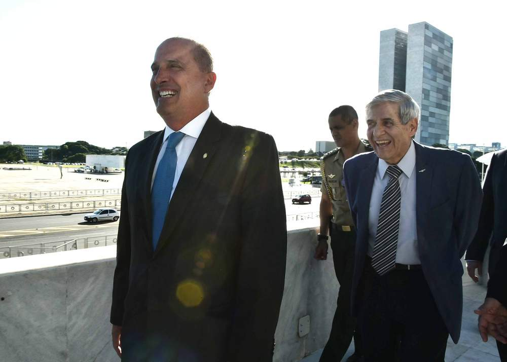 Newly appointed Chief of Staff Onyx Lorenzoni (L) and head of the Office for National Security, retired army general Augusto Heleno (R)