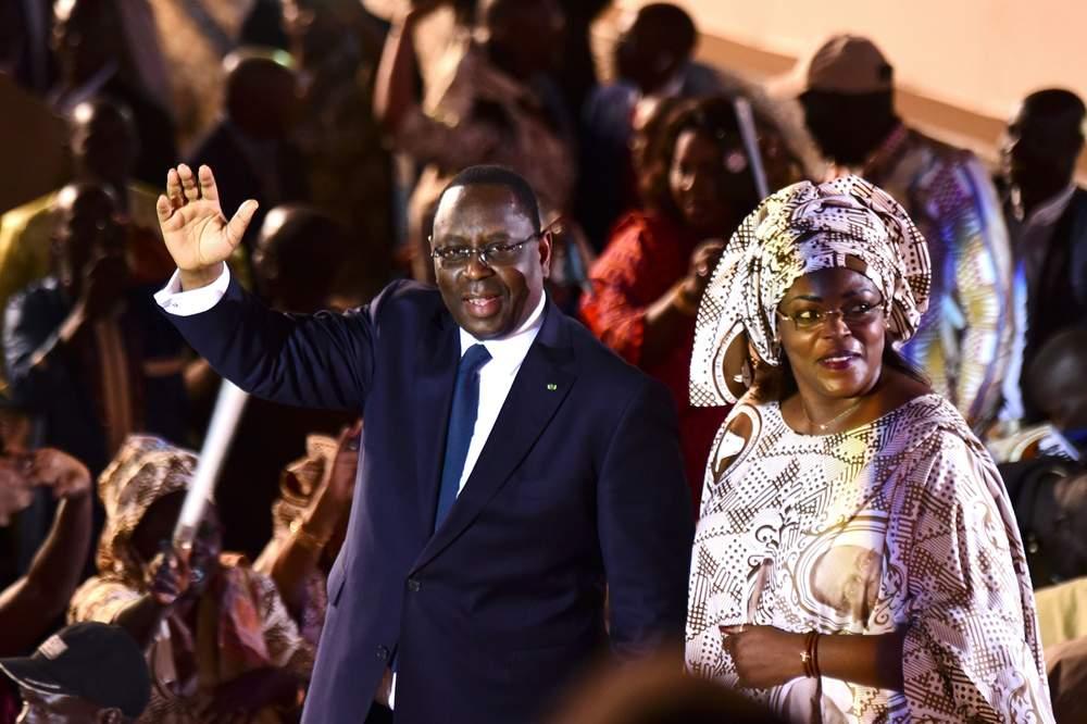 Президент Сенегала Макки Салл с первой леди