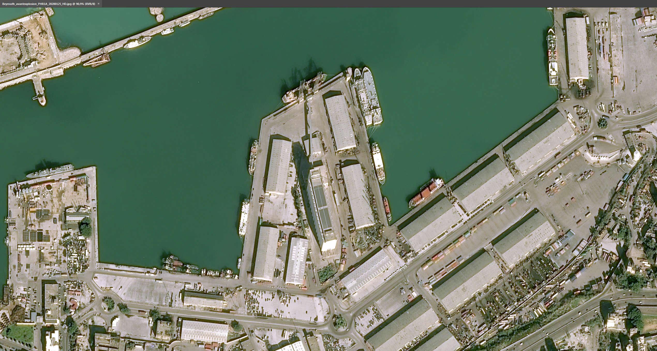 Порт Бейрута до взрыва, фото с воздуха