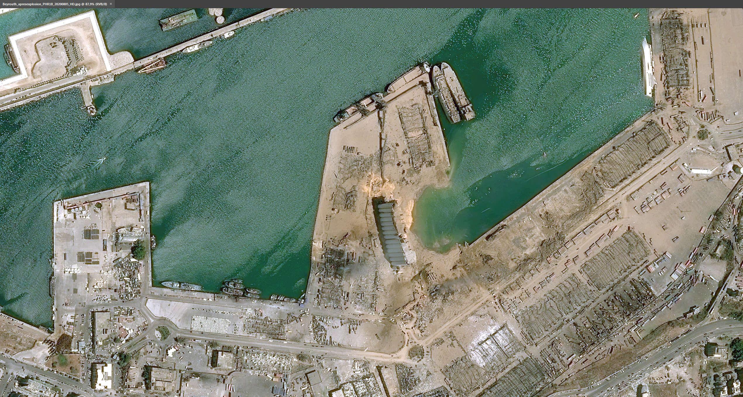 Порт Бейрута после взрыва, фото с воздуха