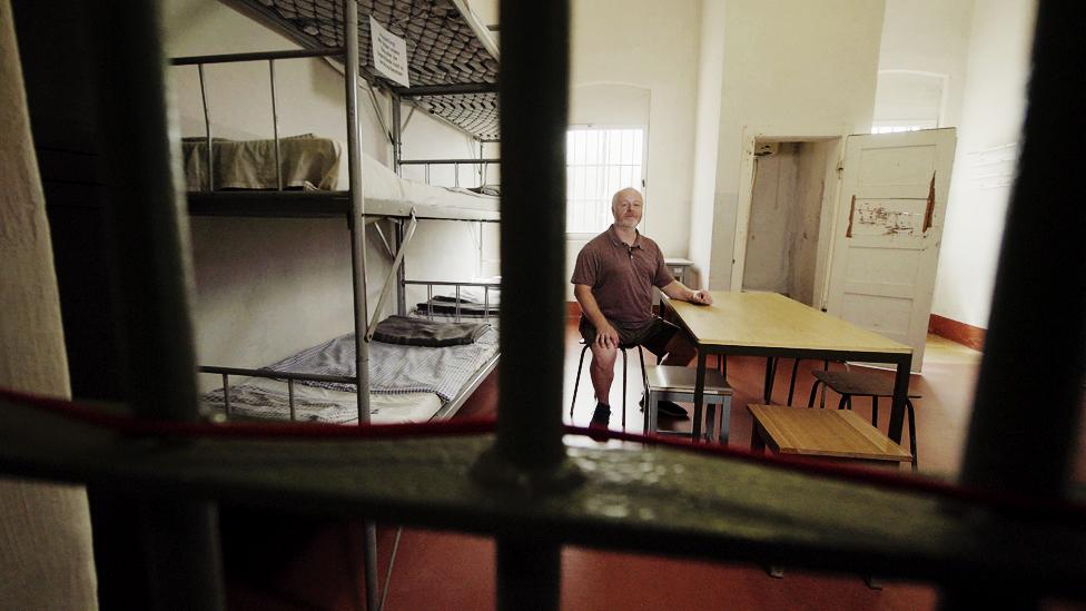 Ральф Хенель в тюрьме