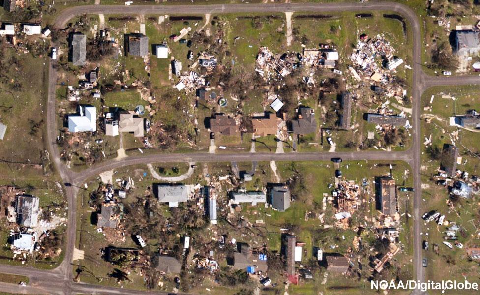 Imágenes aéreas muestran el impacto del huracán Harvey en casas cerca de Rockport, Texas