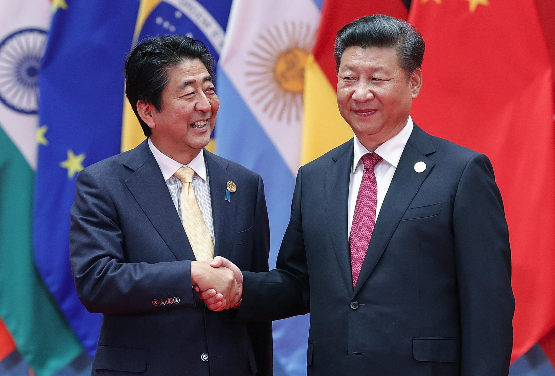 安倍晉三與習近平在2016年會面。